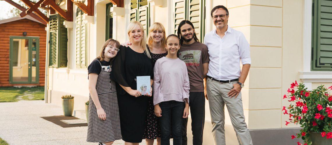 Alenka Kesar in Kamenko Kesar z družino